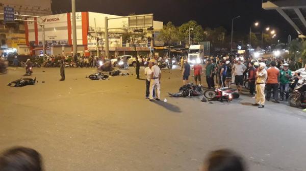 """Nhân chứng vụ nữ tài xế điều khiển xe BMW gây tai nạn ở Sài Gòn: """"Cô gái trẻ bị kéo lê khoảng 20m nên không qua khỏi…"""""""