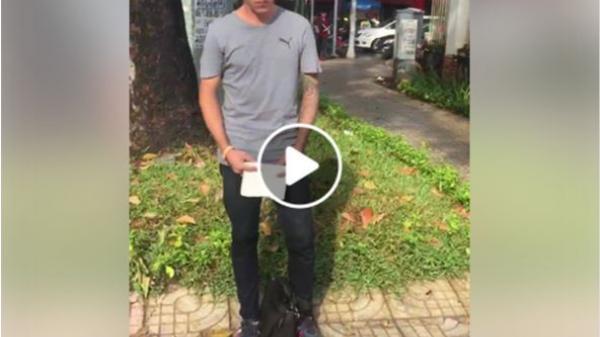 Thanh niên Tây ăn xin ở Sài Gòn bị chửi thậm tệ: 'Tại sao có thể ngửa tay xin tiền ở Việt Nam'