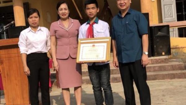 Học trò lớp 8 ở Phú Thọ mưu trí cứu 4 người gặp nạn