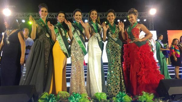Phương Khánh - người đẹp Bến Tre xước trán vì... lên sân khấu nhận quá nhiều giải tại Miss Earth 2018