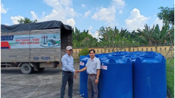 TIN CỰC VUI: Tân Á Đại Thành trao tặng hơn 200 bồn nước cho người dân huyện Châu Thành (Bến Tre)