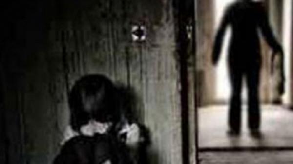 SỐC: Thiếu niên Cà Mau 13 tuổi hiê'p d-âm bé gái 7 tuổi ở sau nhà dân ?