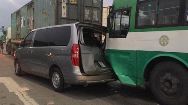 TP HCM: Xe buýt mất thắng gây tai nạn liên hoàn cho 3 ô tô
