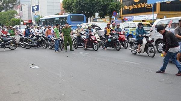 Truy tìm nghi can đ.âm d.ao, rồ ga kéo lê người sau v.a chạm giao thông ở Sài Gòn