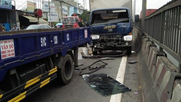 TP.HCM: 4 ô tô tông liên hoàn, quốc lộ 1 tê liệt hơn hai giờ