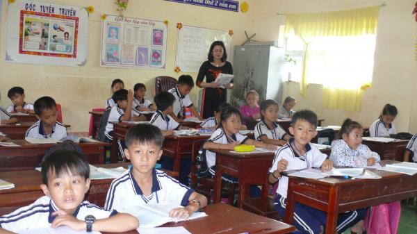 Cà Mau: Hơn 80 giáo viên dôi dư được đào tạo về dạy mầm non