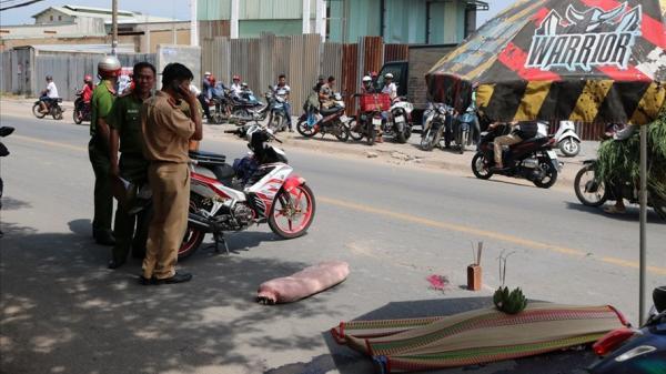 Né xe ba gác chạy ẩu, nữ sinh n.gã ra đường bị xe tải cán t.ử vong ở Sài Gòn