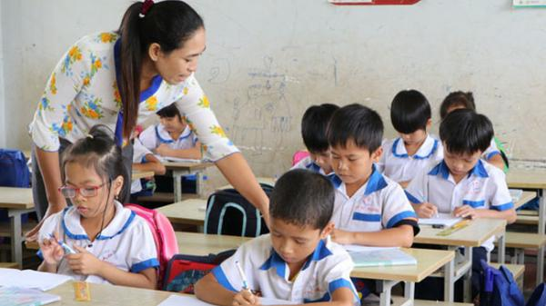 Không có chuyện cắt hợp đồng hàng loạt giáo viên ở Cà Mau