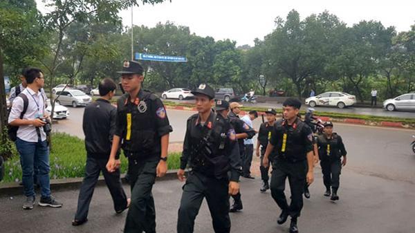 NÓNG: Quang cảnh chuẩn bị phiên tòa xét xử cựu Trung tướng Phan Văn Vĩnh ở Phú Thọ