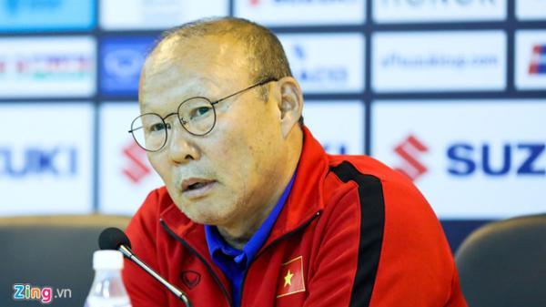 HLV Park Hang-seo giải thích lý do không bắt tay ở trận Myanmar