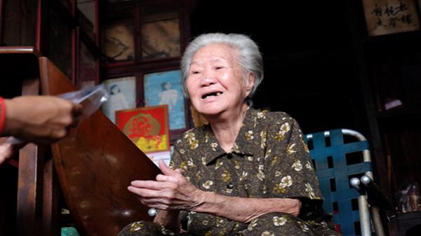 """Ký ức 104 năm của tiệm trà giữa trung tâm Sài Gòn, """"bạn đồng niên"""" với chợ Bến Thành"""