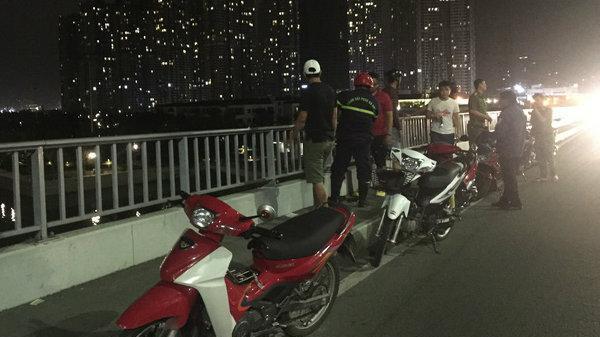 Nam thanh niên để lại thư tuyệt mệnh nhảy cầu Sài Gòn tự tử