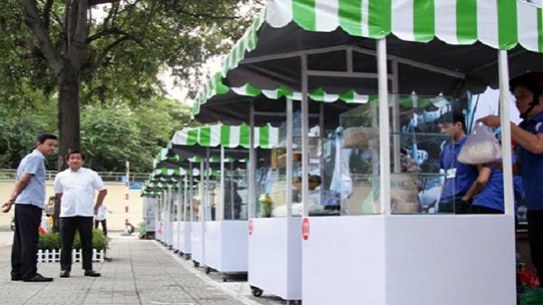 Phố hàng rong Sài Gòn ngày đầu mở cửa