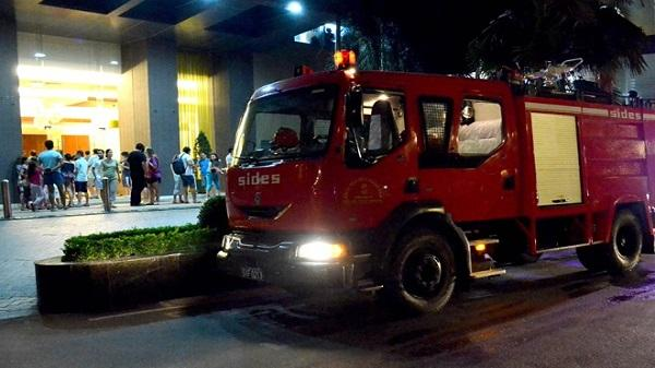 Cháy cao ốc 37 tầng thuộc Saigon Pearl, hàng trăm người hoảng loạn