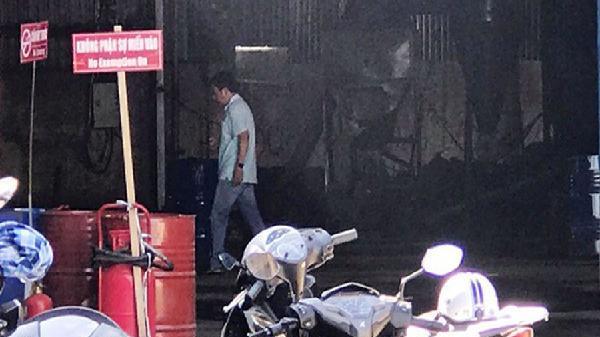 Hỏa hoạn do sang chiết xăng dầu, 2 người bỏng nặng