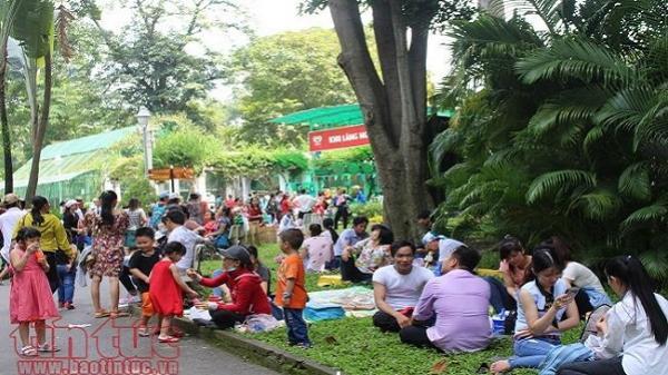 TP Hồ Chí Minh: Các điểm vui chơi đông nghịt ngày nghỉ lễ Quốc khánh 2/9