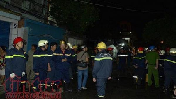 Căn nhà 4 tầng bùng cháy lúc 2 giờ sáng, 8 người thương vong