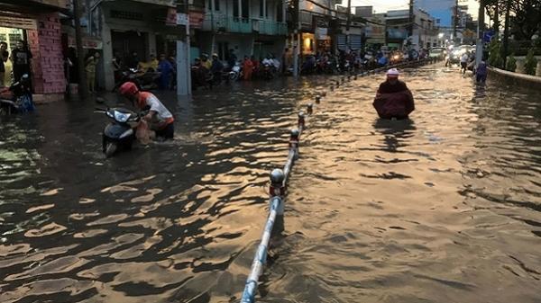 Toàn cảnh ngập lụt khủng khiếp ở TP. HCM tối 5/9