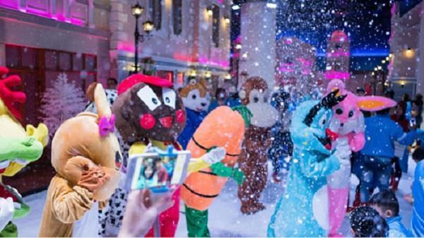 Mừng đại lễ với nhiều chương trình hấp dẫn tại khu vui chơi Snow Town