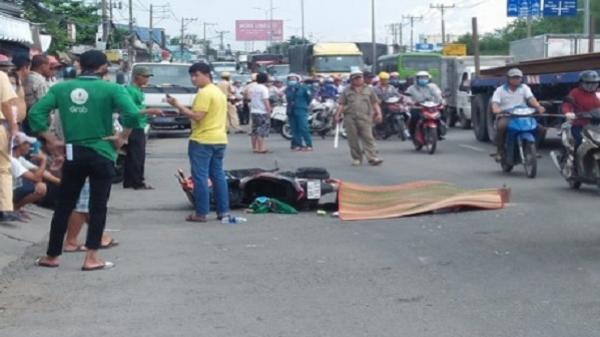 Người dân truy đuổi xe container cán chết tài xế Grabbike bỏ chạy