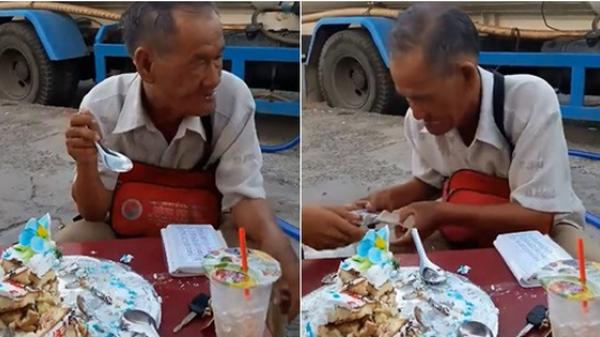 Clip: Xót xa hình ảnh cụ ông bán vé số ngồi ăn chiếc bánh sinh nhật bị bỏ thừa