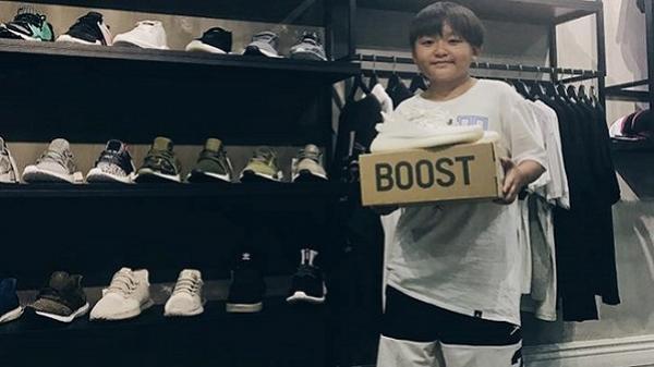 """Cậu bé Sài Gòn gây tranh cãi khi sở hữu bộ sưu tập giày """"khủng"""" ở tuổi 12"""