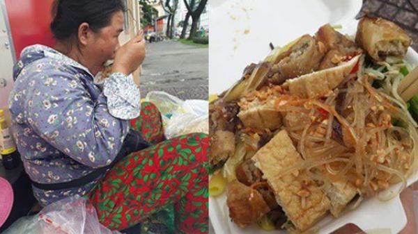 Sự hào phóng của chị bán đồ ăn ven đường Sài Gòn cùng câu nói bất ngờ sau nhiều lần từng bị quỵt tiền khiến bao người ấm lòng