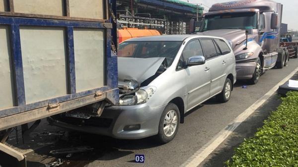Người nước ngoài thoát chết sau tai nạn liên hoàn ở Sài Gòn
