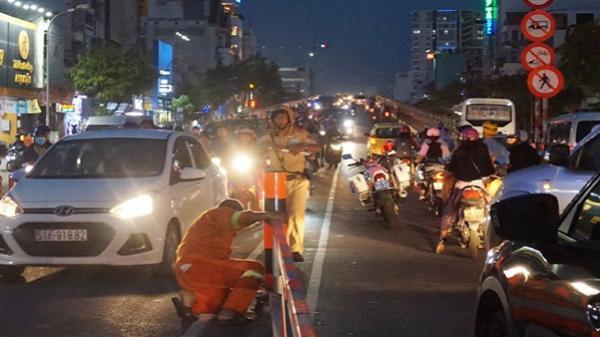 Lưu thông một chiều qua cầu vượt, cửa ngõ Sài Gòn rối loạn