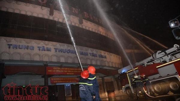 Diễn tập giải cứu hàng chục người mắc kẹt trong vụ cháy nổ lớn ở chợ Tân Bình