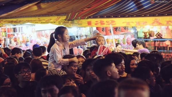 Chùm ảnh: Cảnh tượng đông đúc đến nghẹt thở tại Sài Gòn trước thềm Trung thu
