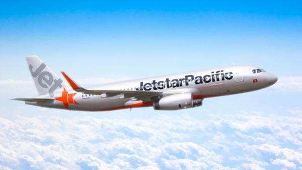Máy bay bị sét đánh, chuyến bay của Jetstar đi TP.HCM bị huỷ
