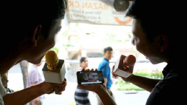 Dân Sài Gòn khốn khổ vì karaoke 'xách tay'