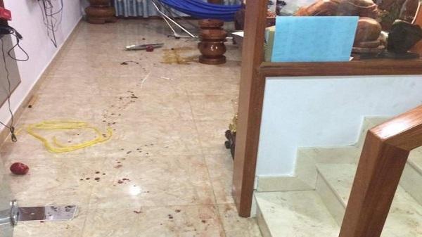 Côn đồ bịt mặt xông vào nhà truy sát 4 chú cháu ở Sài Gòn