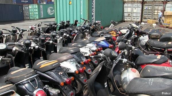 TP. HCM: Phát hiện khối lượng lớn xe máy và thiết bị điện tử nhập lậu