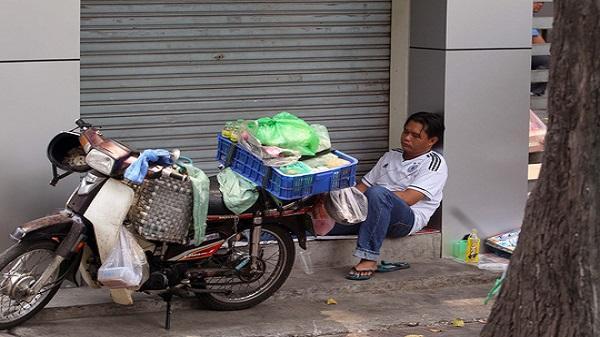 Những giấc mơ trưa nặng gánh 'cơm áo, gạo tiền'