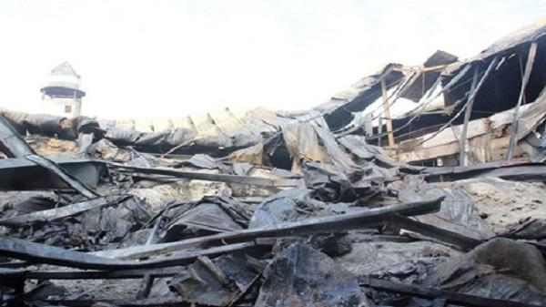 Công ty nhựa cháy ngùn ngụt lúc sáng sớm