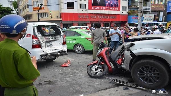 1 ngày: 3 vụ tai nạn, 1 người mẹ tử vong, nhiều phương tiện hư hỏng