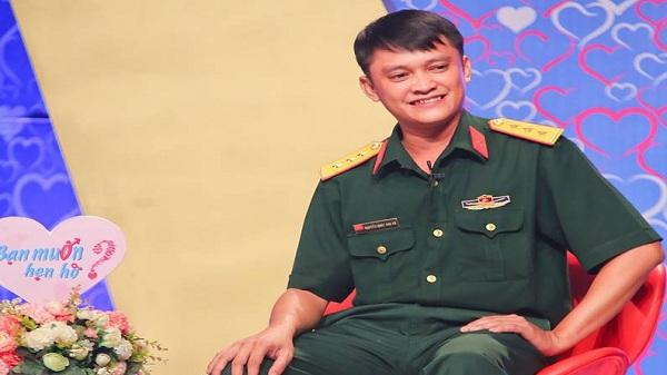 """Dù chưa gặp mặt, chàng Đại đội trưởng bộ binh của TP.HCM vẫn bị nữ cảnh sát xinh đẹp """"thôi miên"""" đến """"hồn phiêu phách lạc""""!"""
