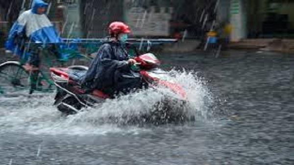 Sài Gòn mưa lớn chiều thứ 7