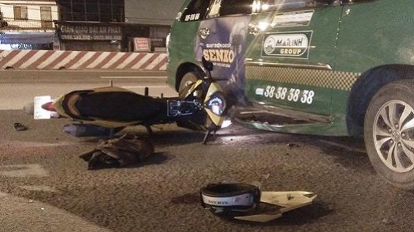 TP.HCM: Lao vào xe taxi, nam thanh niên trọng thương
