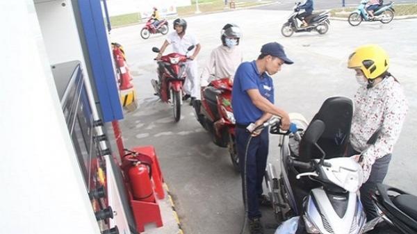 Giá xăng tiếp tục tăng từ 15h hôm nay