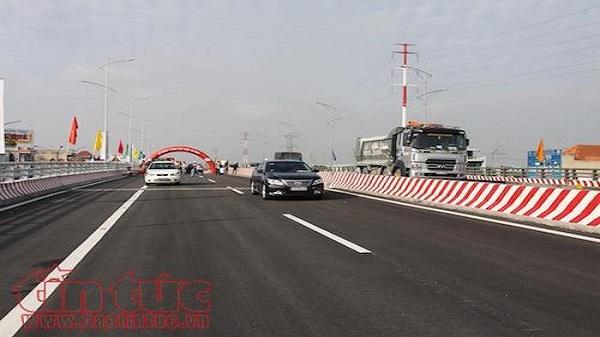 Khánh thành cầu vượt Gò Mây, giảm ùn tắc cho cửa ngõ phía Tây