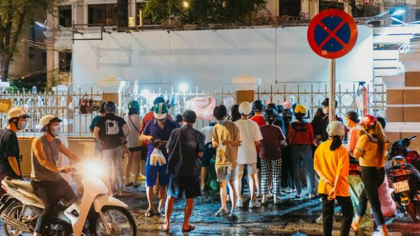 """Chuyện lạ ở Sài Gòn: Khi quán xá sang chảnh cũng """"lép vế"""" trước… hàng vỉa hè, nhìn 4 địa điểm dưới đây là hiểu rồi nghen!"""
