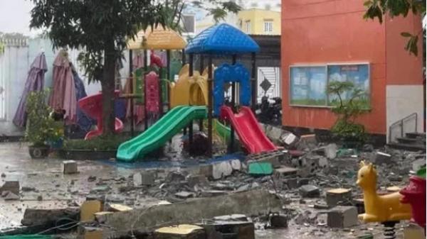 """TP.HCM: Khối bê tông """"khủng"""" đổ sụp xuống trường mầm non"""