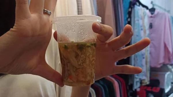 """Dân mạng cay đắng review tiệm """"súp cua đắt nhất Sài Gòn"""": Bỏ ra 50k chỉ được vài muỗng súp, ly súp 25k """"gió thổi còn bay"""""""