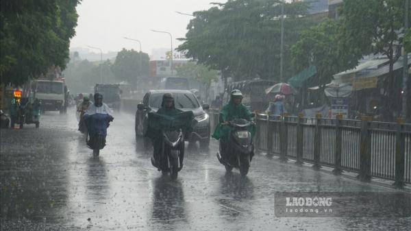 Vì sao TPHCM liên tục xuất hiện cơn mưa bất chợt?