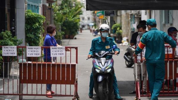 Phong tỏa quán bún Thái trong khu ẩm thực Hồ Thị Kỷ