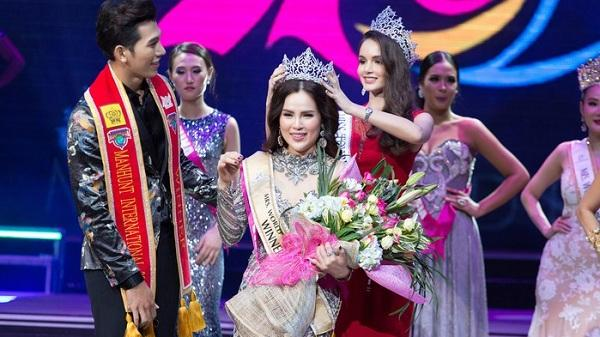 Nhan sắc hấp dẫn của mỹ nhân Trà Vinh - bà mẹ 3 con - đăng quang Hoa hậu Quý bà Hòa bình Thế giới