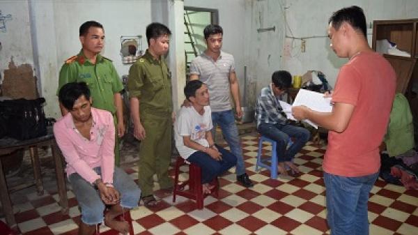 Công an huyện Càng Long: Bắt quả tang 4 đối tượng mua, bán trái phép ma túy